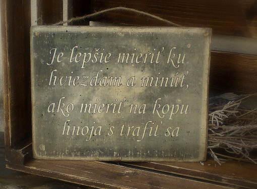 Tabuľka s citátom